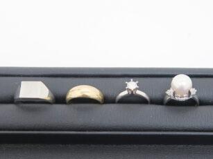 ダイヤモンドやパール付きジュエリーなどのお買取